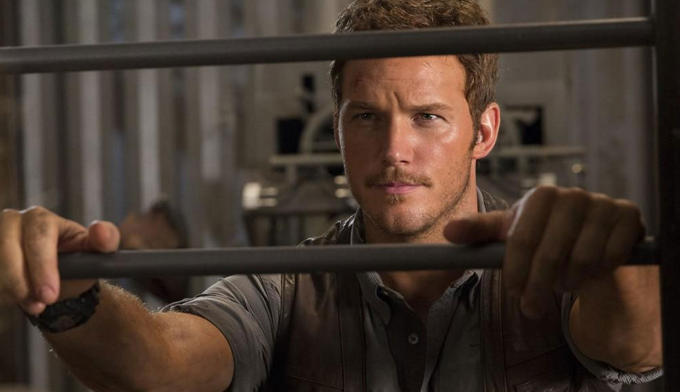 Chris Pratt Offers A Behind The Scenes Look At Jurassic World