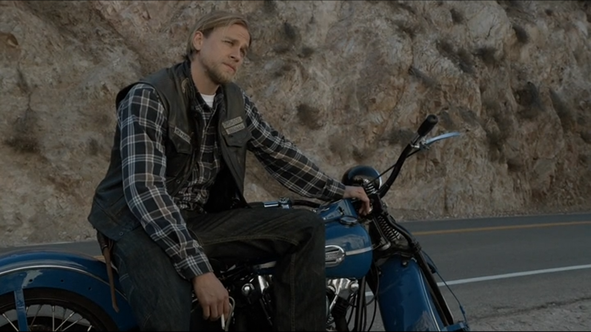 Charlie Hunnam to Star in 'American Drug Lord'