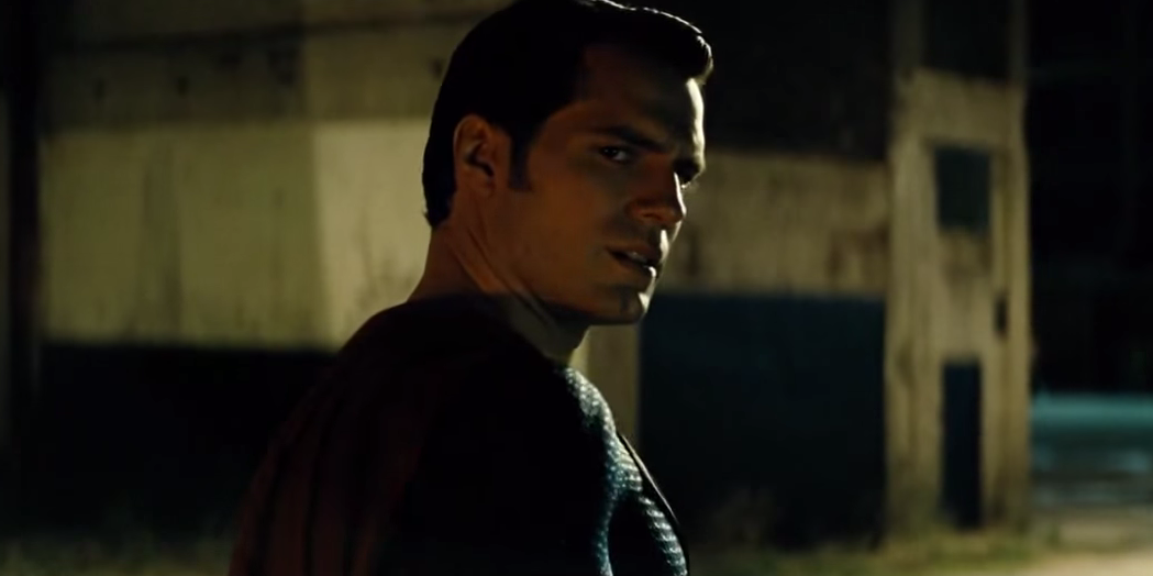 Superman offers a warning in new clip for 'Batman v Superman: Dawn of Justice'