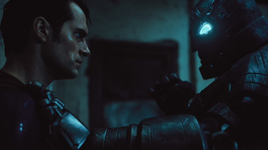 New footage teased in 'Batman v Superman' trailer