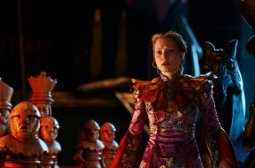 Alice Through the Looking Glass Review SpicyPulp