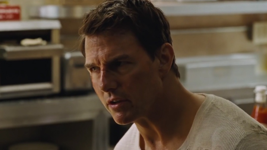 Tom Cruise gets grim and gritty in new 'Jack Reacher: Never Go Back' poster