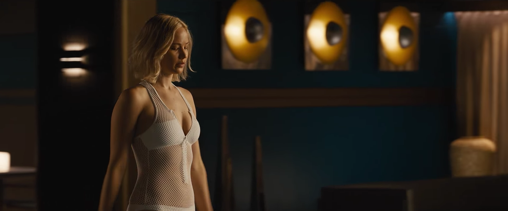 Jennifer Lawrence experiences the perils of space in new 'Passengers' clip